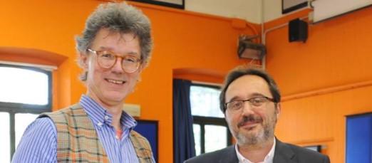 L'assessore David Arboit e il vicesindaco Rino Pruiti in biblioteca