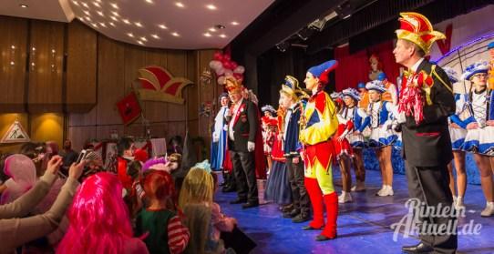03 rintelnaktuell rcv carnevalsverein kinderkarneval 2017 konfetti schminken party