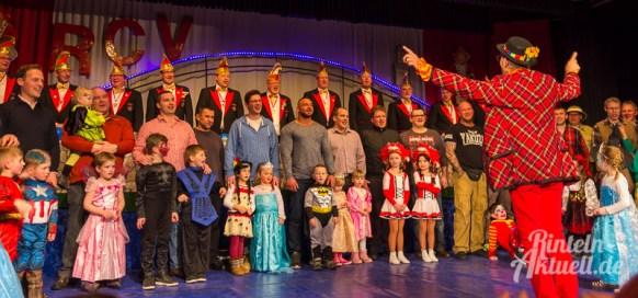15 rintelnaktuell rcv carnevalsverein kinderkarneval 2017 konfetti schminken party