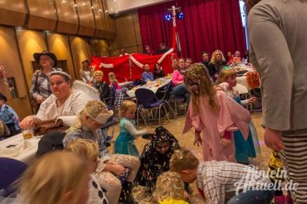 20 rintelnaktuell rcv carnevalsverein kinderkarneval 2017 konfetti schminken party