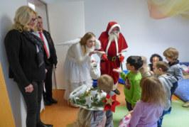 Vom Weihnachtszauber auf Schloss Bückeburg zur Lebenshilfe Rinteln