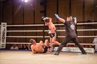02 rintelnaktuell vorprogramm abend kickboxen frauenboxen profiboxen piergiulio ruhe sport brueckentorsaal boxring event waru kampf gegner runden