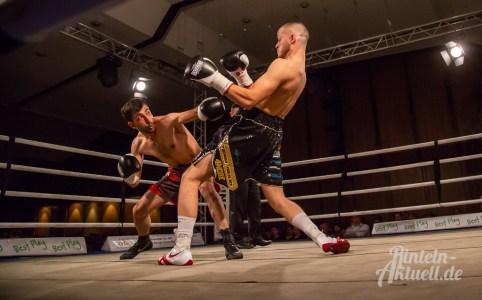 04 rintelnaktuell profiboxen piergiulio ruhe sport brueckentorsaal boxring event waru kampf gegner runden