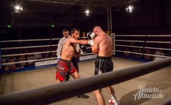 13 rintelnaktuell profiboxen piergiulio ruhe sport brueckentorsaal boxring event waru kampf gegner runden