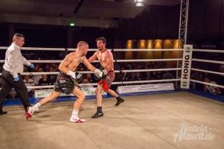 21 rintelnaktuell profiboxen piergiulio ruhe sport brueckentorsaal boxring event waru kampf gegner runden
