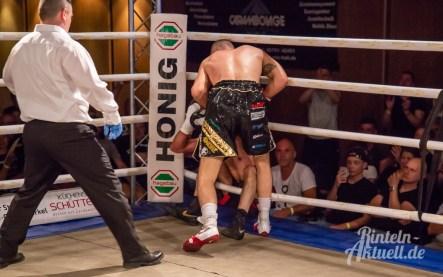23 rintelnaktuell profiboxen piergiulio ruhe sport brueckentorsaal boxring event waru kampf gegner runden