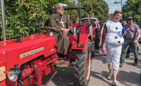 02 rintelnaktuell ernteumzug moellenbeck ernte dorfgemeinschaftsfest erntewagen 2018
