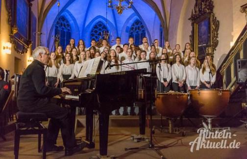 07 rintelnaktuell weihnachtskonzert gymnasium ernestinum nikolaikirche 2018 advent bigband abichor musici ernesti ensemble musik
