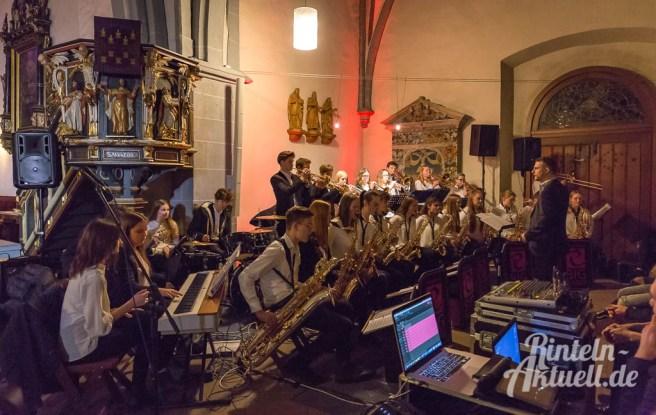 30 rintelnaktuell weihnachtskonzert gymnasium ernestinum nikolaikirche 2018 advent bigband abichor musici ernesti ensemble musik