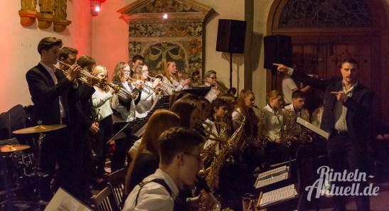 34 rintelnaktuell weihnachtskonzert gymnasium ernestinum nikolaikirche 2018 advent bigband abichor musici ernesti ensemble musik