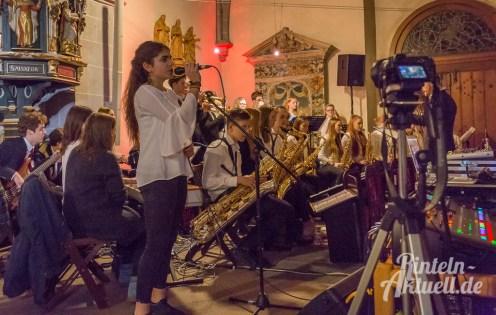 38 rintelnaktuell weihnachtskonzert gymnasium ernestinum nikolaikirche 2018 advent bigband abichor musici ernesti ensemble musik