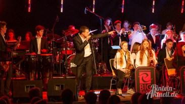18 rintelnaktuell ernies hausband ernestinum bigband jahreskonzert jazz rock 2019 aula gymnasium musik
