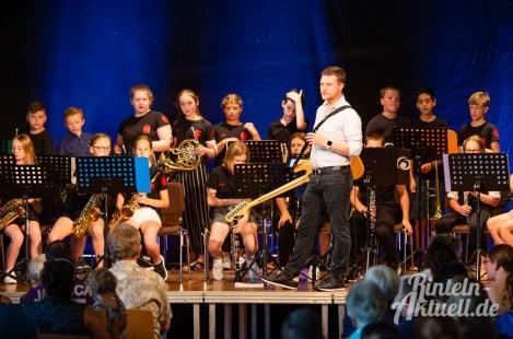 06 rintelnaktuell blaeserklasse swing kids orchester musik gymnasium ernestinum sommerbuehne 25-6-19