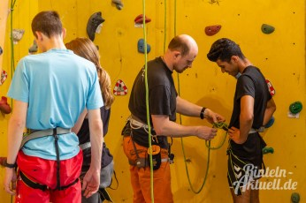 16 rintelnaktuell kerlgesund maennersporttag bkk24 kreissportbund ksb fitness modern arnis bootcamp kanu klettern bewegung aktion 22.6.19