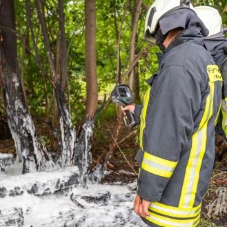 25 rintelnaktuell feuerwehr rinteln brand holz bahnschwellen grosse tonkuhle nordstadt 2.7.19