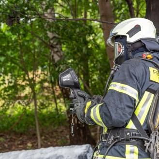 28 rintelnaktuell feuerwehr rinteln brand holz bahnschwellen grosse tonkuhle nordstadt 2.7.19