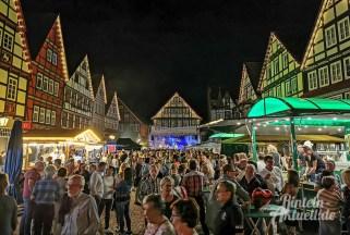 12 rintelnaktuell altstadtfest 2019 samstagabend openair tanz feier musik party bands unterhaltung innenstadt nacht