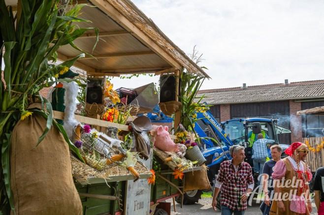 54 rintelnaktuell moellenbeck erntefest 2019 erntewagen ernteumzug dorf feier party