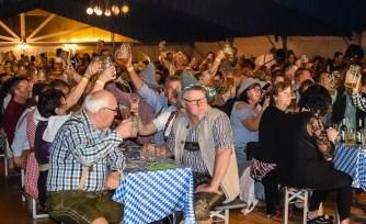 06 rintelnaktuell oktoberfest doktorsee kasplattnrocker 2019 meilenbrock festzelt bier wiesn ozapftis musik