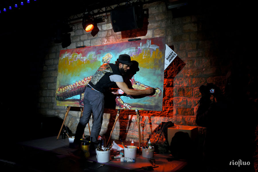 Chaque mois, le magazine A Nous Paris et la marque Grolsch organisent des concerts gratuits dans des lieux parisiens et ont donné carte blanche à RioFluo, lors de ces soirées, pour programmer et mettre en place des performances de peinture de Street-artistes, graffeurs, des performances impressionnantes anous paris, sifat, ernesto novo, harry-james, theo lopez, skio, cannibal letterz, Action grand public. Evénement corporate. Live painting. Paris