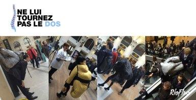 10 anamorphoses, de plus de 8 mètres, ont été mises en place dans les diverses gares de France. Ces anamorphoses ont été créées en partenariat avec le nageur professionnel Fabien Gilot concerné par cette cause, qui posa en se tenant le dos. Les artistes de TSF Crew ont ensuite peint cette image en live en gare de Marseille. Pour renforcer l'impact de la campagne et interpeller le public, une équipe de comédiens portant sur leur dos des reproductions d'objets très lourds ont parcouru les gares. Chaque activation fut associée à la distribution de flyer. Vidéo clip, site web et dispositifs sur les réseaux sociaux furent également créés. 10 gares 300m2 d'anamorphoses Plus de 20 000 personnes touchées Activation, gare sncf, anamorphose, Abbvie, performance, street-art, hors-norme, Fabien Gilot, mal de dos, prévention santé, médical, pharmaceutique, artistique