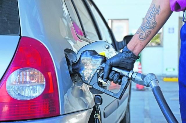 A partir del 1 de octubre Nación debería trasladar las subas de los impuestos a los combustibles que estuvieron congelados por dos trimestres y definir cómo impactarán en el precio de las naftas.