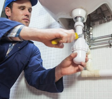 5 Major Reasons To Call A Plumber 2