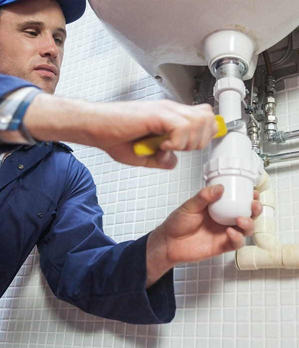 5 Major Reasons To Call A Plumber 3