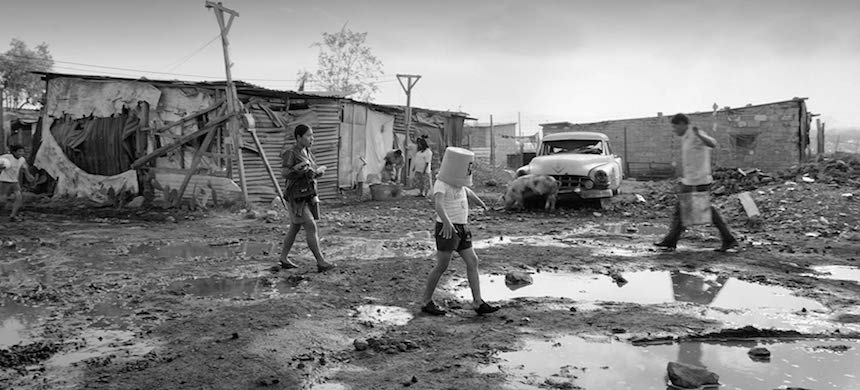 In Search Of Lost Time In Alfonso Cuaron S Roma Riot Material