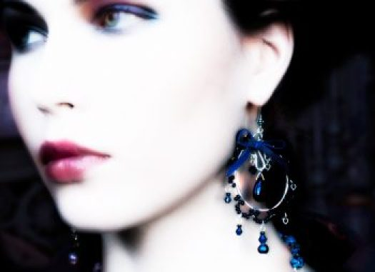 Anoinetta's Earrings by Fikorus.
