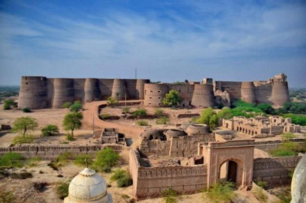 bijuterii-Fortreaa-Derawar-din-Pakistan-Foto-Travelokam-481x319