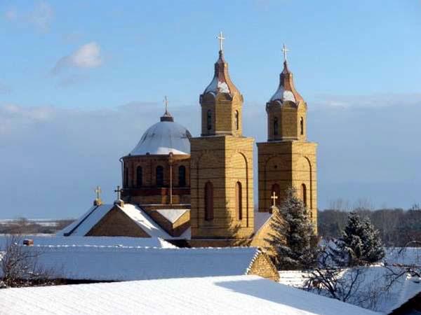 Biserica ortodoxă română din Coștei