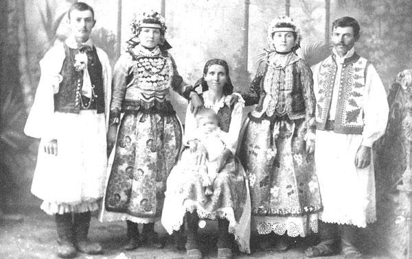 Familie de români din Jamul Mic, anii `20 ai secolului trecut
