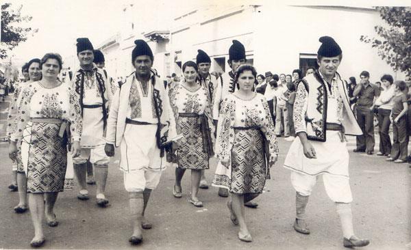 Voivodincenii-la-Balul-strugurilor-1972-1