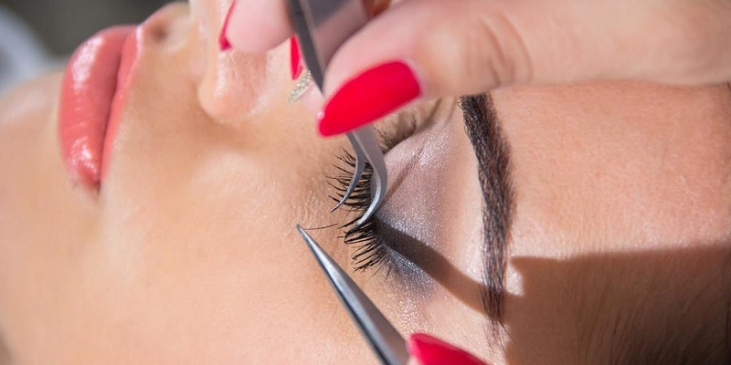 Debunking the Most Common Eyelash Extension Myths