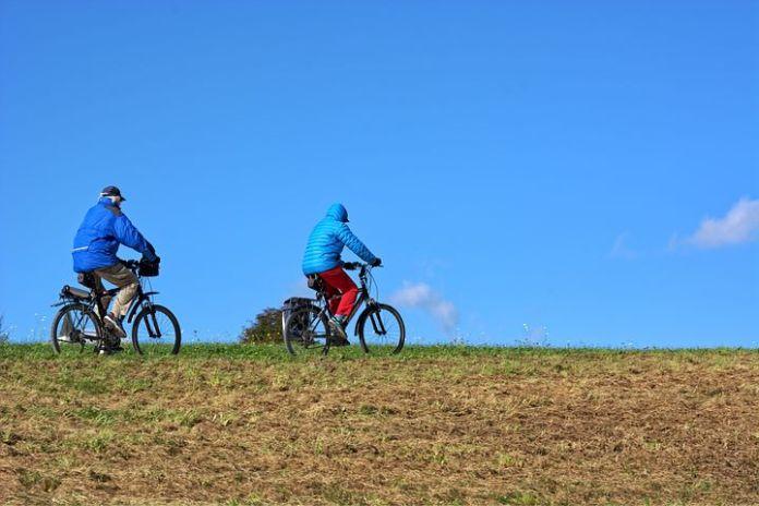 E-bikes maken ouderen aanzienlijk mobieler, maar vergroten ook het risico op letsel