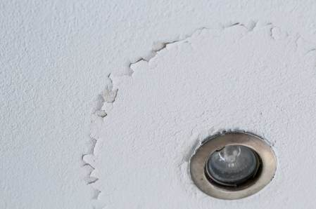 Does a water stain on the ceiling mean mold