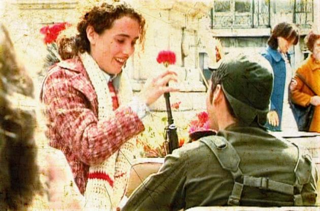 La rivoluzione dei garofani: pace e socialismo per il Portogallo