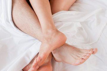 sesso letto coppia