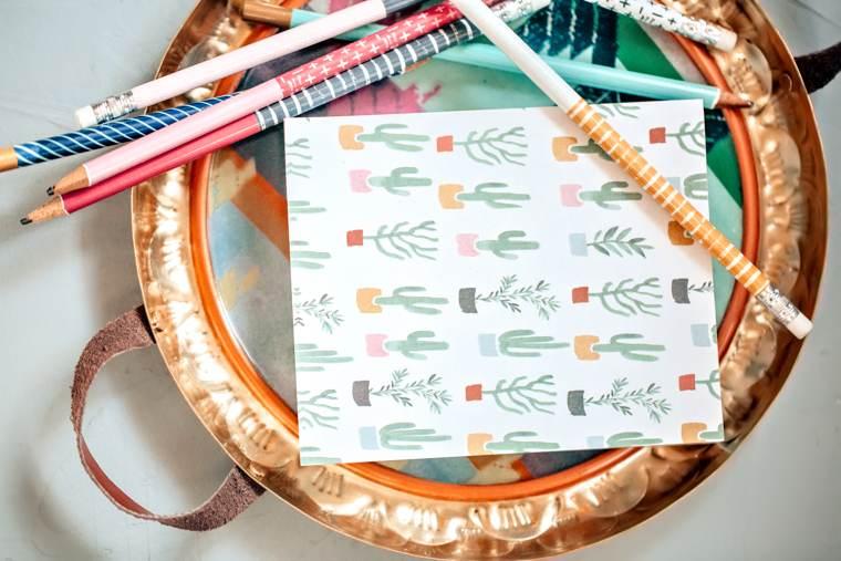 Corsi di scrittura: un bloc-notes e alcune matite