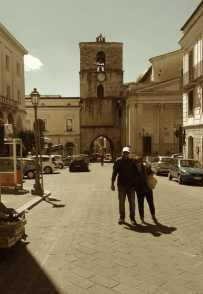 Antonio Tamburro e Leontina Lanciano nel centro storico