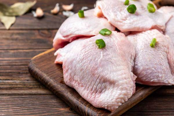 Non-GMO Pastured Chicken Thighs