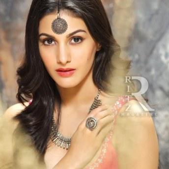 Amyra Dastur (2)