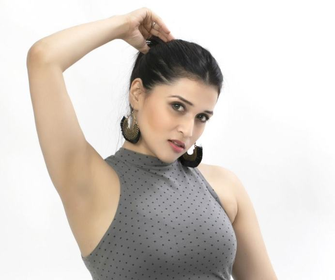 Mannara Chopra (7)
