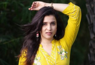Mannara Chopra (4)