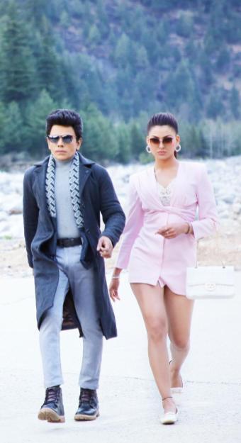 Stills From Legend Saravanan And Urvashi Rautela's Movie Shoot Goes Viral (3)