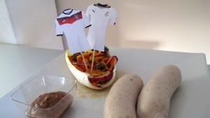 Ghanaische Weisswürste mit Trikot-Fähnchen