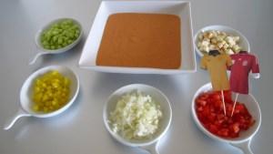 Australische Gazpacho mit Trikot-Fähnchen