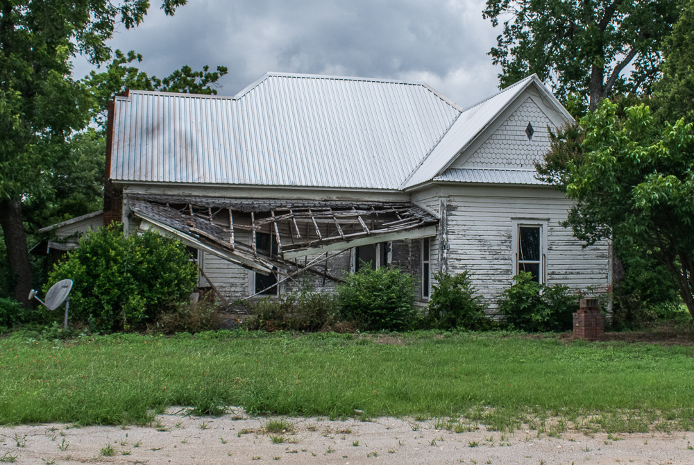 House Falling Apart, Long Abandoned