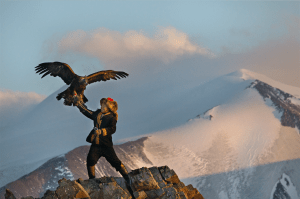 The_Eagle_Huntress_01